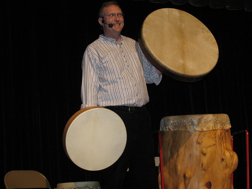 Mark Shepard introduces Church St School to frame drums
